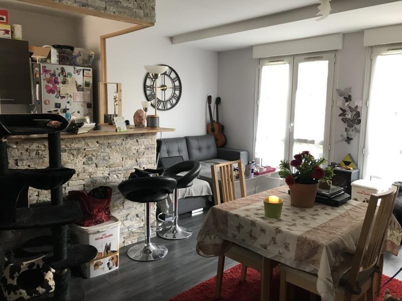 Rental apartment Villepreux 950€ CC - Picture 1