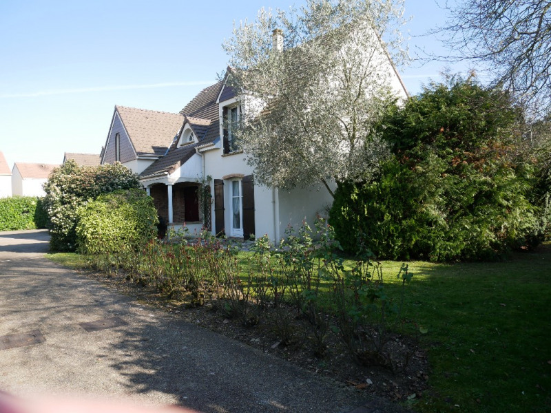 Sale house / villa Poissy 630 000€ - Picture 1