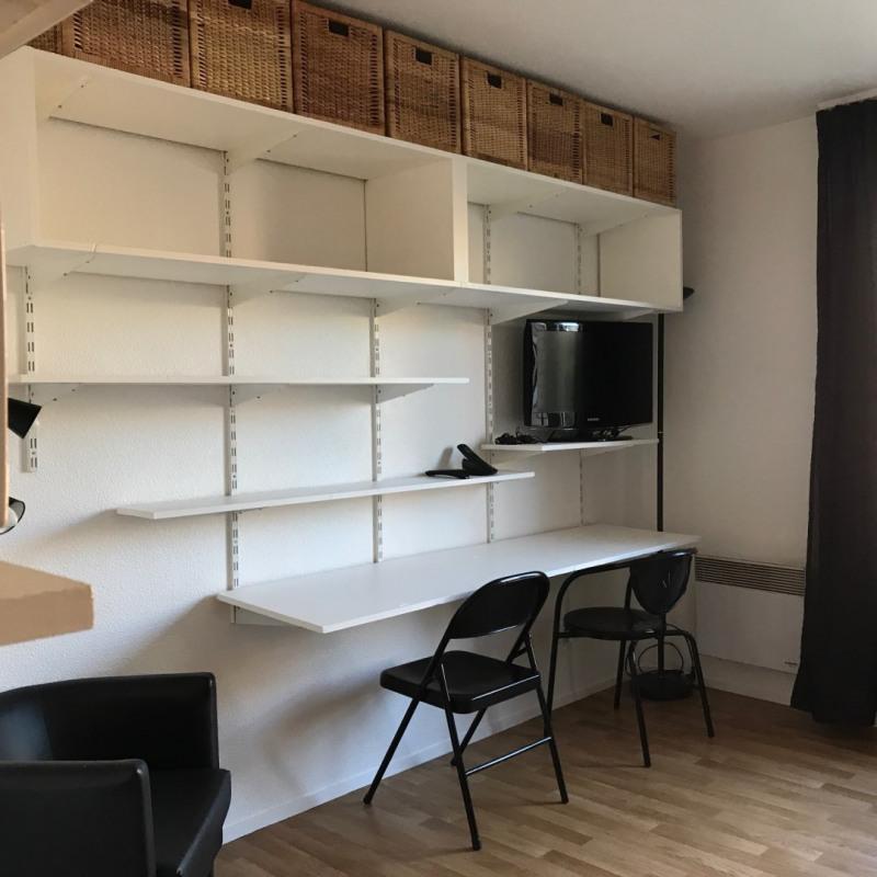 Sale apartment Paris 20ème 215000€ - Picture 2
