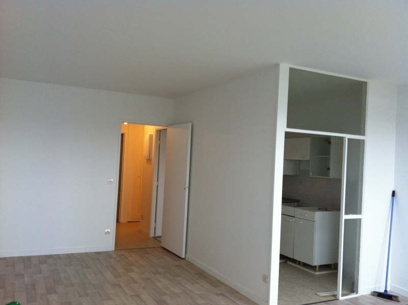 Rental apartment Evry 721€ CC - Picture 2