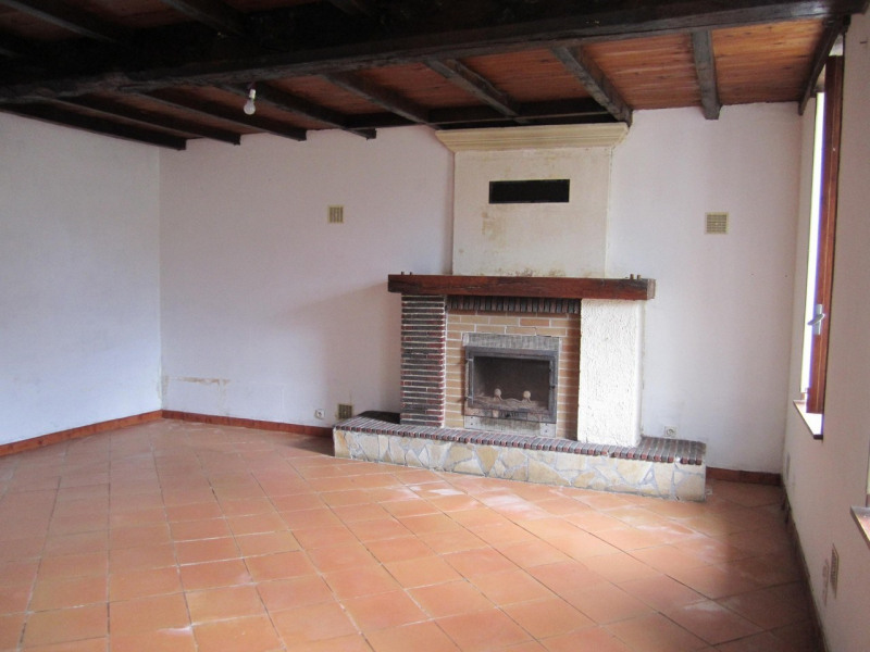 Sale house / villa Barbezieux-saint-hilaire 79 000€ - Picture 2