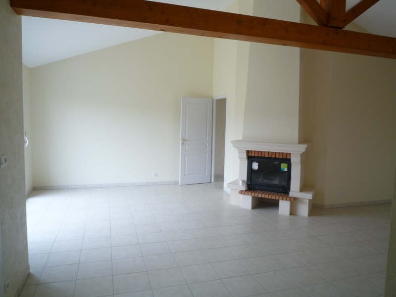 Rental house / villa Vivonne 710€ CC - Picture 3