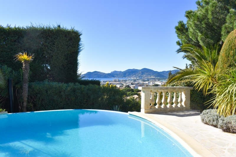 Deluxe sale house / villa Cannes la bocca 1 650 000€ - Picture 2