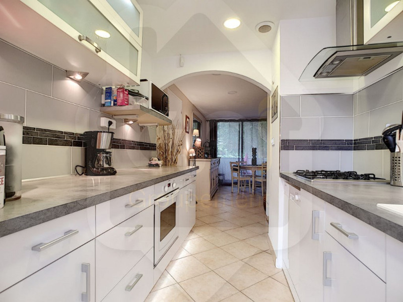 Sale apartment Vitrolles 168 000€ - Picture 1