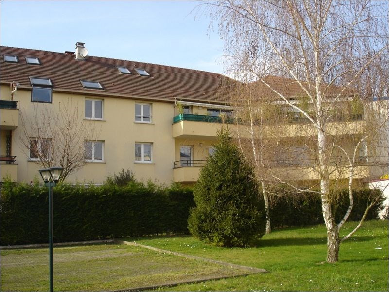 Rental apartment Savigny sur orge 731€ CC - Picture 1