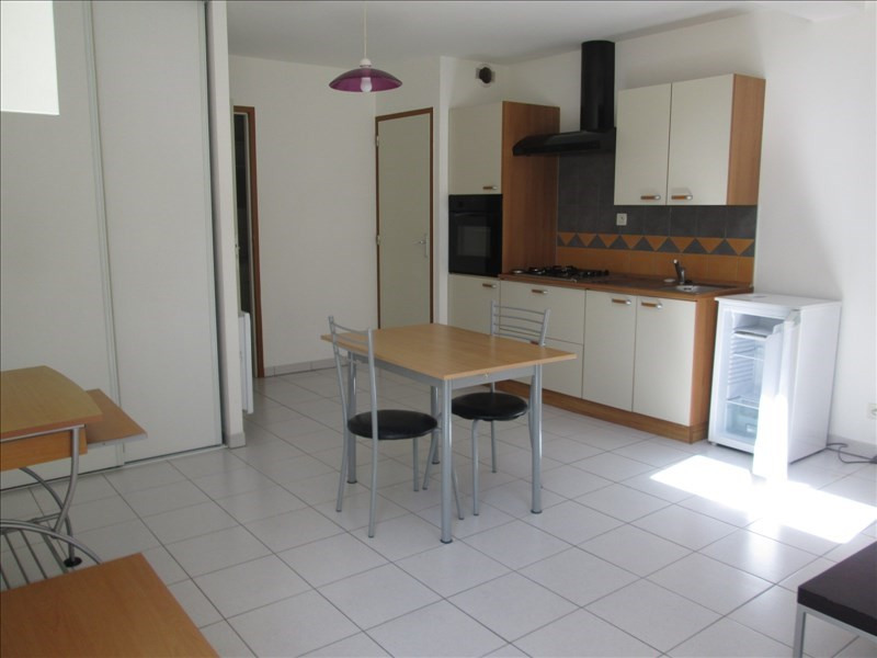 Location appartement Cholet 415€ CC - Photo 1