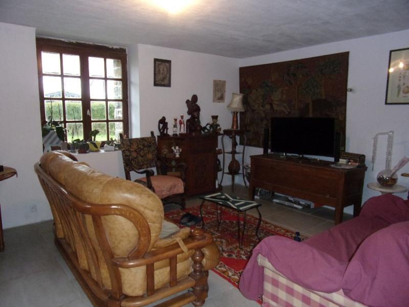 Location maison / villa Saint m herve 700€ CC - Photo 3