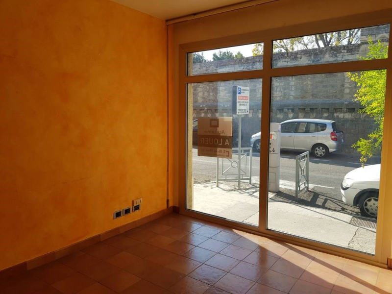 Location local commercial Avignon 590€ CC - Photo 4