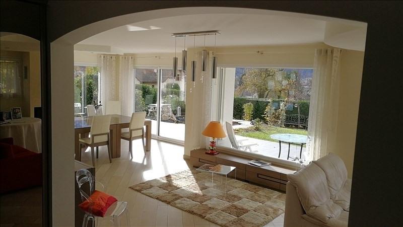 Deluxe sale house / villa Cluses 590000€ - Picture 1