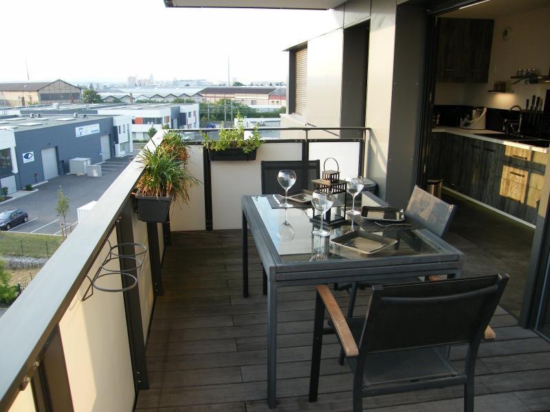 Sale apartment St fons 235000€ - Picture 4
