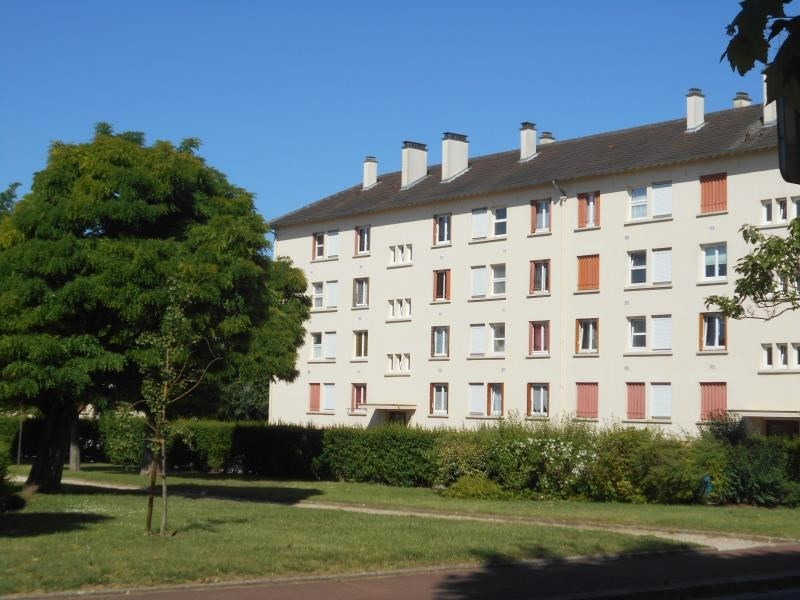Sale apartment Le mesnil le roi 238 000€ - Picture 1