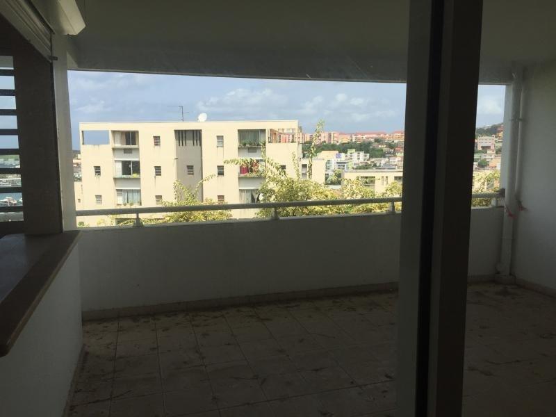 Location appartement Fort de france 875€ CC - Photo 4