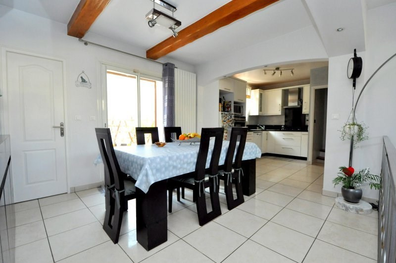 Sale house / villa Breuillet 239000€ - Picture 5