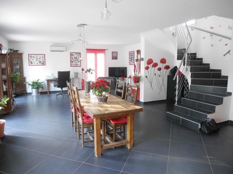 Deluxe sale house / villa Fuveau 599000€ - Picture 1