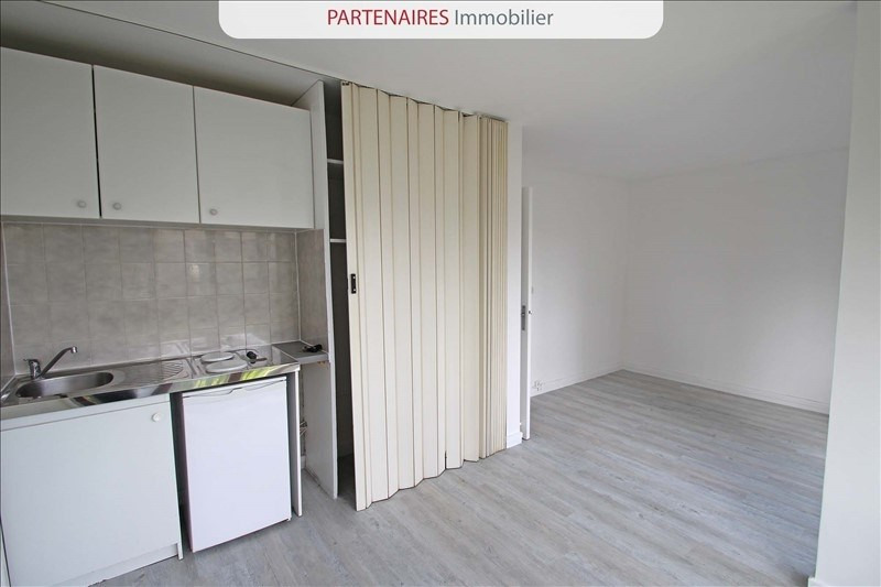 Rental apartment Le chesnay 667€ CC - Picture 5
