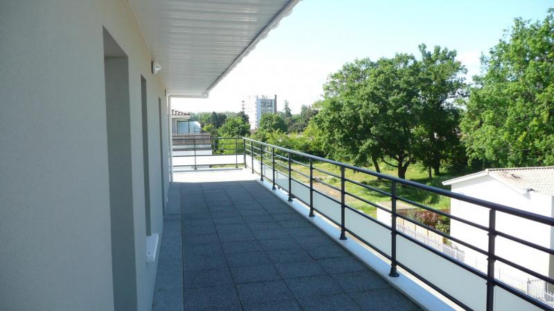 Location appartement Villenave-d'ornon 685€ CC - Photo 2