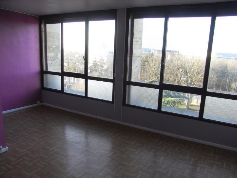 Rental apartment Meudon la foret 630€ CC - Picture 1