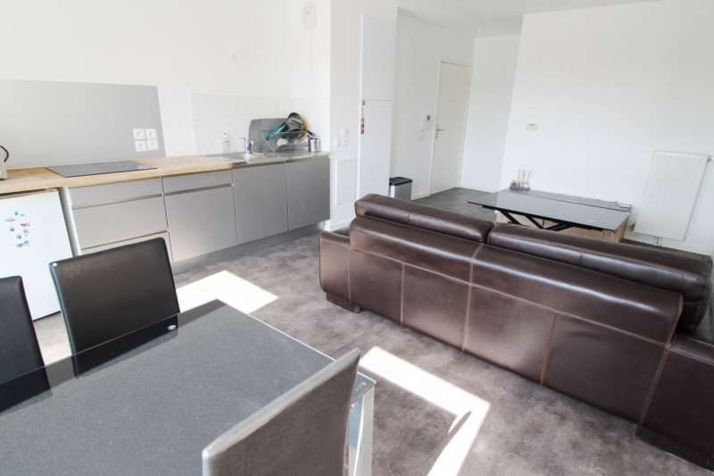 Rental apartment La verriere 750€ CC - Picture 3
