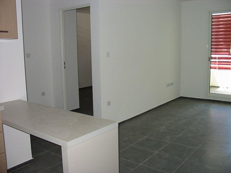 Location appartement Ste clotilde 557€ CC - Photo 3