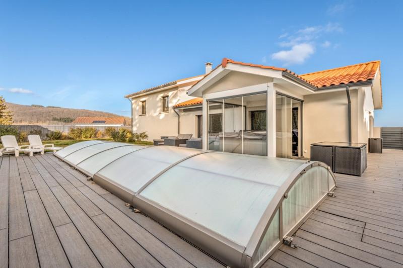 Deluxe sale house / villa Pollionnay 615000€ - Picture 1