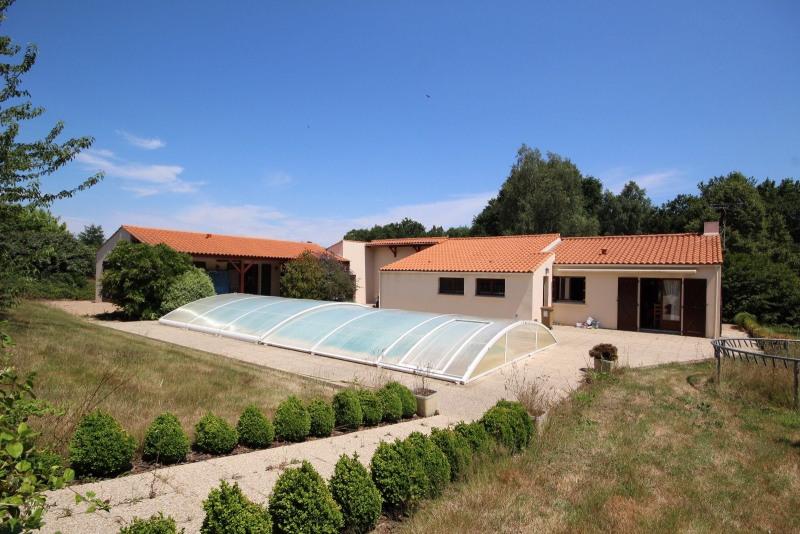 Sale house / villa Aizenay 210740€ - Picture 1