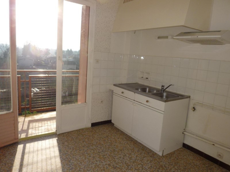 Rental apartment Roanne 335€ CC - Picture 1