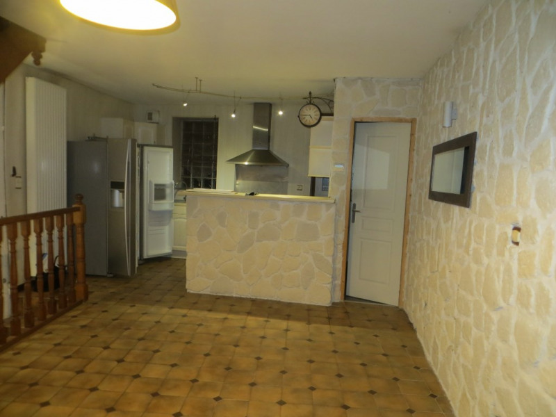 Location maison / villa Ceyrat 630€ CC - Photo 3