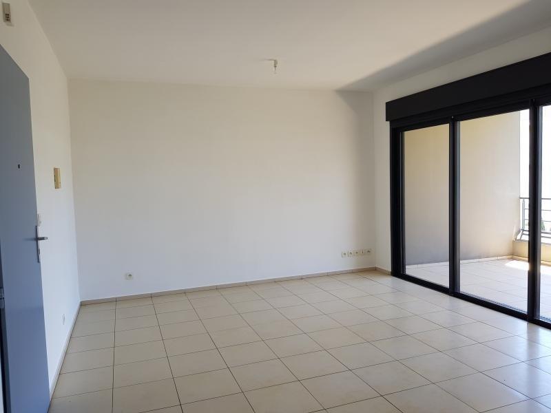 Sale apartment St paul 157500€ - Picture 2
