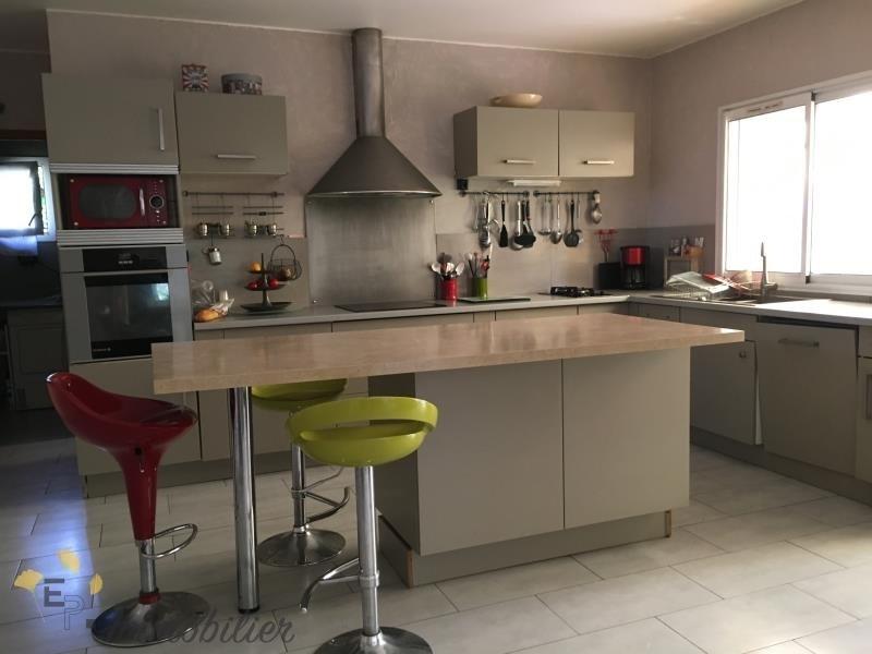 Vente de prestige maison / villa Grans 630000€ - Photo 2
