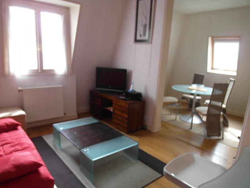 Rental apartment Neuilly-sur-seine 1900€ CC - Picture 1