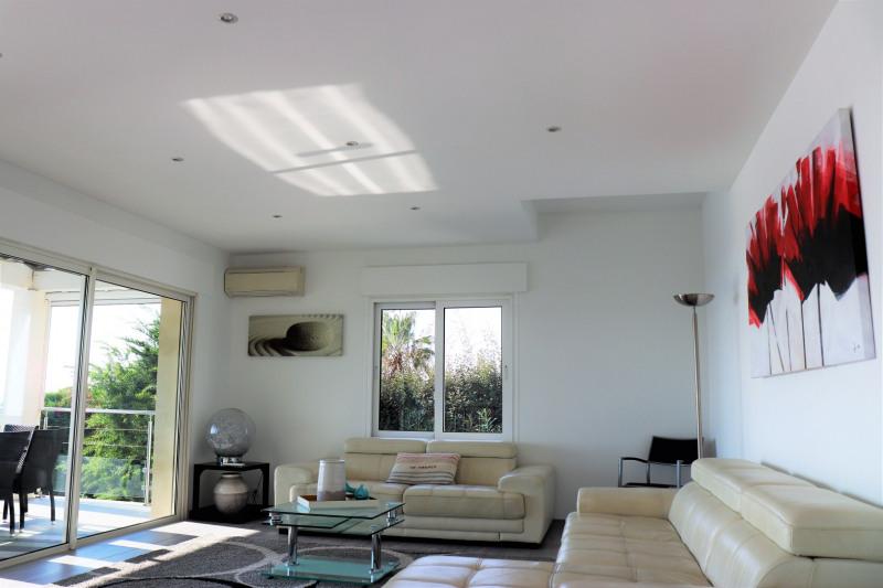 Vacation rental house / villa Cavalaire sur mer 4800€ - Picture 6