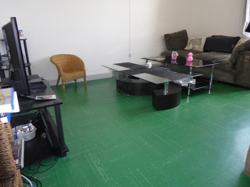Location appartement Aubenas 420€ CC - Photo 1