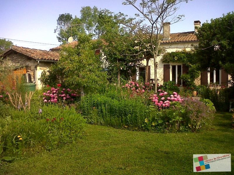 Sale house / villa Cherves richemont 267 500€ - Picture 1