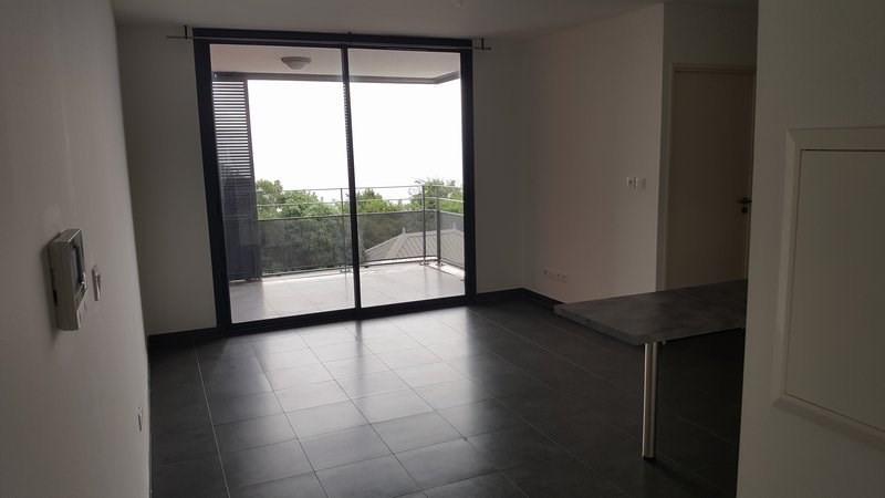 Location appartement St denis 604€ CC - Photo 1