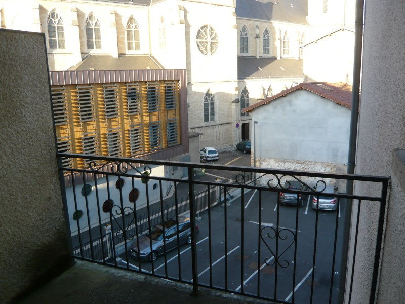 Location appartement Bourgoin jallieu 380€ CC - Photo 4