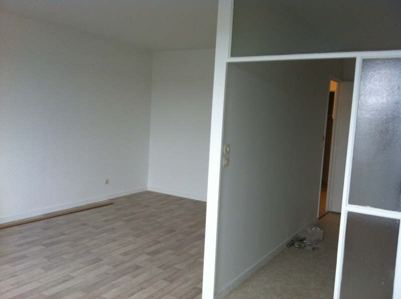 Rental apartment Evry 721€ CC - Picture 4