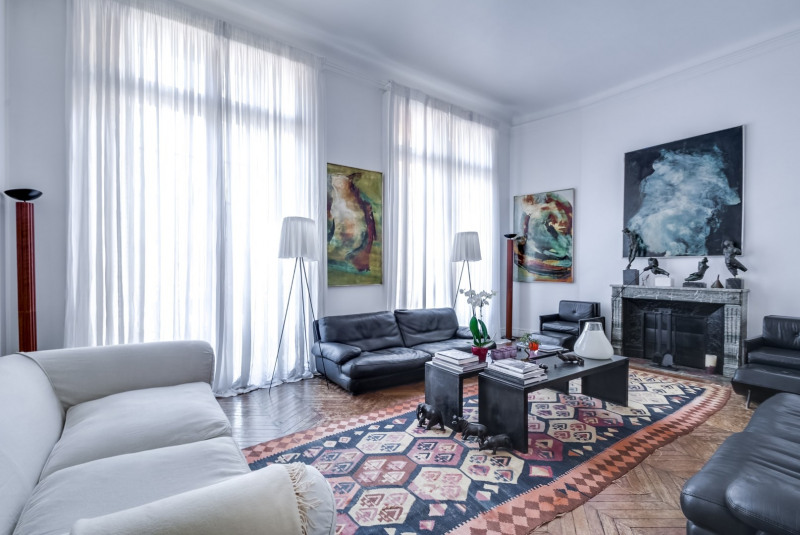 Location appartement Paris 16ème 15 000€ CC - Photo 1