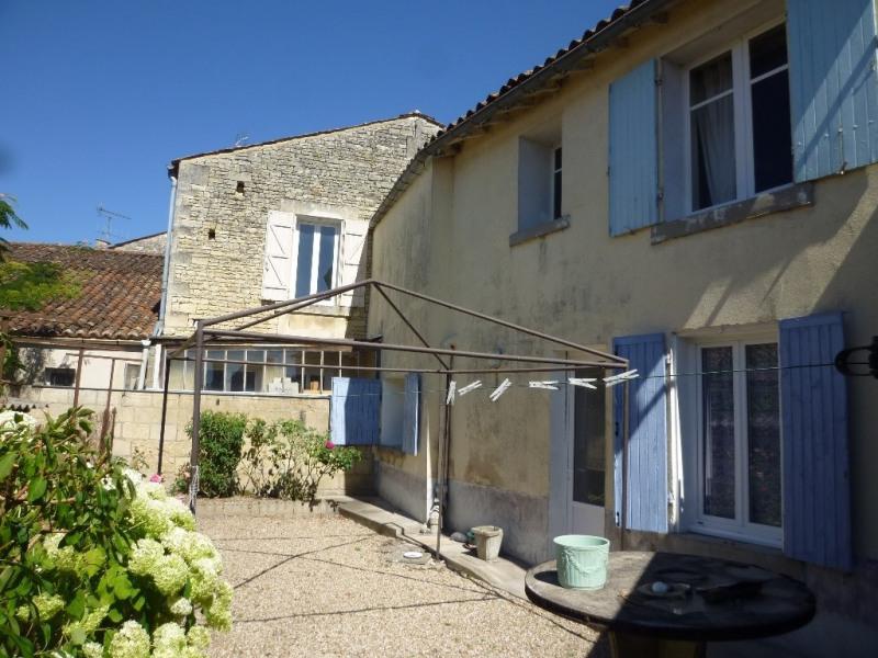 Sale house / villa Reparsac 96000€ - Picture 1