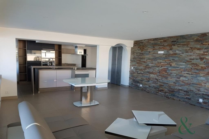 Deluxe sale apartment Le lavandou 730000€ - Picture 1