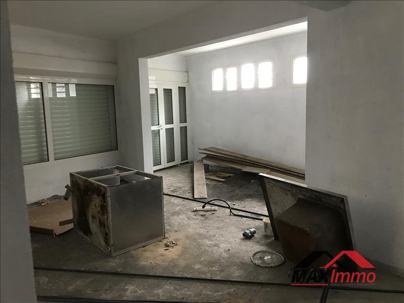 Location bureau La riviere 850€ CC - Photo 2