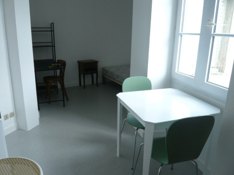 Rental apartment Laval 297€ CC - Picture 1