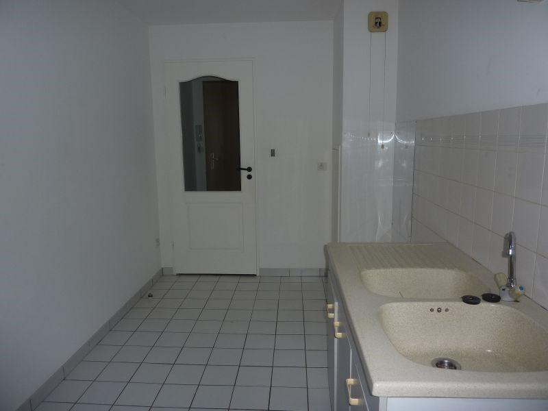 Rental apartment Pontivy 427€ CC - Picture 2