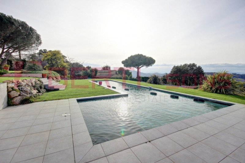 Villa of 187 m² - Single storey - 12 min from the center of Mandelieu - Breathtaking view - EUR 750,000