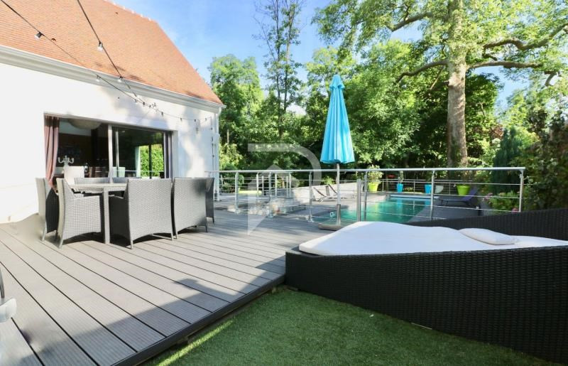 Sale house / villa Montfort-l'amaury 970 000€ - Picture 1