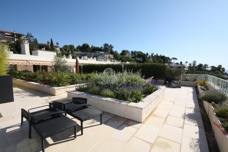 Deluxe sale apartment Cannes 1 990 000€ - Picture 5