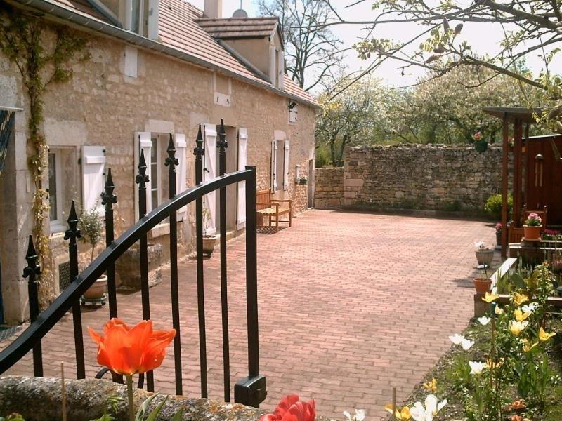 Sale house / villa Druyes les belles fontaine 117500€ - Picture 1
