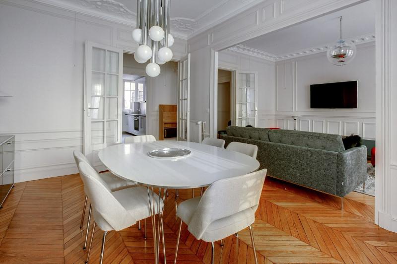 Location appartement Paris 19ème 2600€ CC - Photo 2