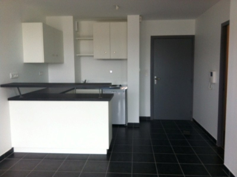 Location appartement Onet le chateau 392€ CC - Photo 1