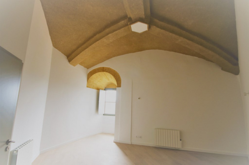 Rental apartment Meyrargues 715€ CC - Picture 2