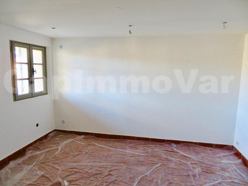 Rental house / villa Le beausset 810€ CC - Picture 4
